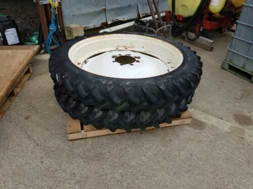 Tractor wheels and tyres row crop 44