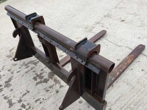 MF PALLET FORKS TINES TRACTOR ON FAUCHEAUX BRACKETS LOADER TELEHANDLER LIFTING