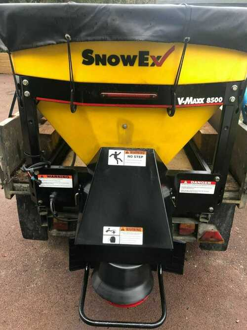 Gritter spreader Snowex V Maxx Sp 8500 Excellent condition. Rarely used.