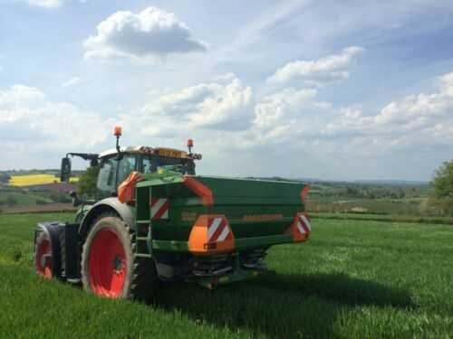 Amazone Profis Hydro fertiliser spreader