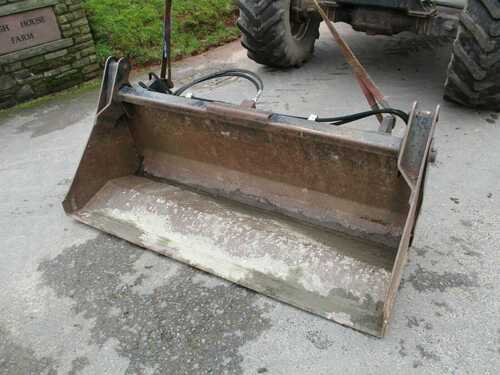 Bomford 4 in 1 Bucket c/w Bomford Brackets.(tractor,loader)