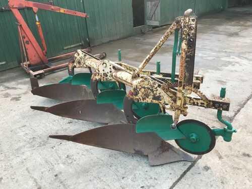 Bamford Kverneland 3 furrow plough ready to work