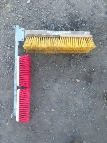 Pollock Cattle shed brush wall mounted cows calves