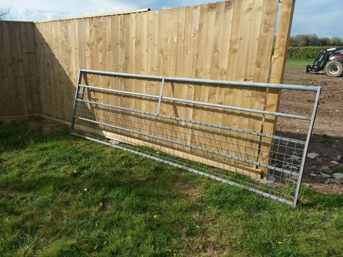 Field gate -12ft - used. CF62- will throw in 2 x posts.