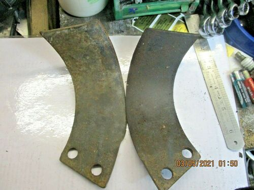 HOWARD DOWDSWELL GARDEN ROTOVATOR/TILLER PAIR TINES OLD STOCK LEFT/R HAND CURVED