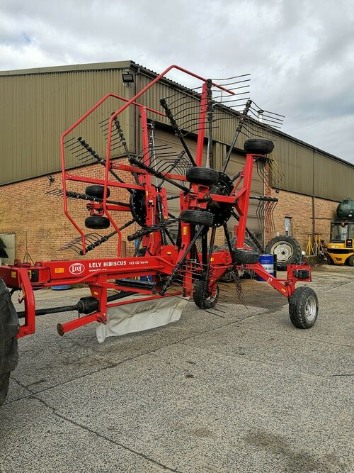 Lely twin rotor rake mower tedder tractor tractors machinery